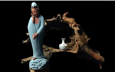 Modern Chinese Style ZEN Porcelain Guanyin Ornament Handicraft with Guanyin Bottle